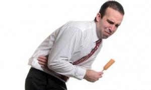 Hỗ trợ điều trị đau bụng do sỏi tiết niệu hiệu quả bằng thuốc Nam
